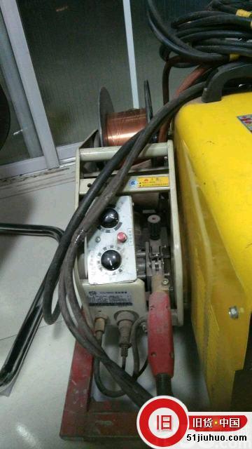 出售青岛艾特二保焊机,双电源220/380
