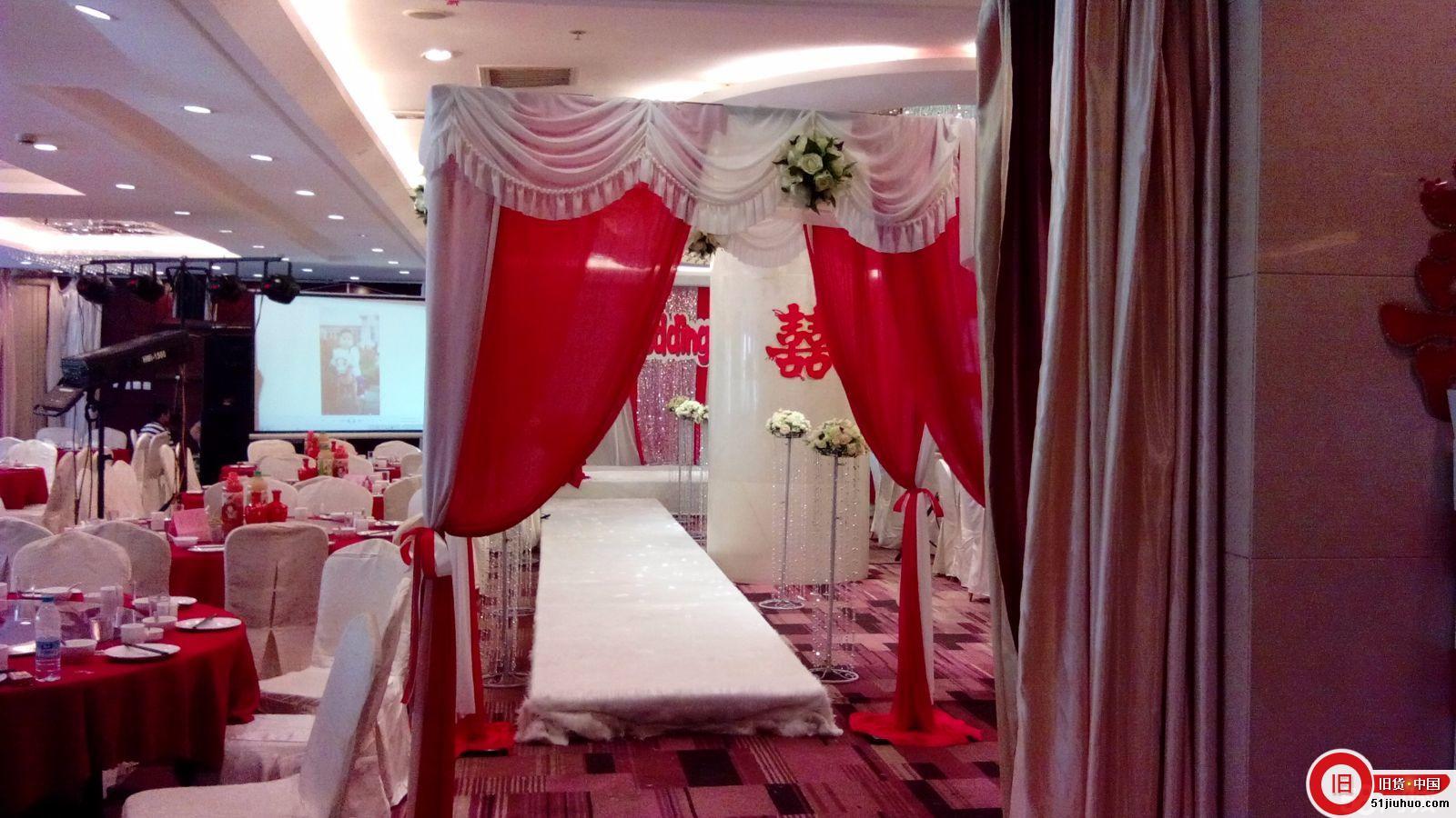 自用闲置,圆顶圆花厅1个(带白色果绿色玫瑰花),绢花拱门2个(白色