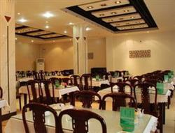 河南饭店设备回收、餐厅桌椅、毛毯地毯、保险柜