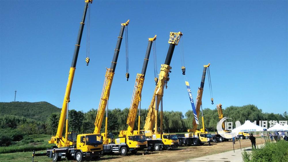 石家庄吊车出租,吊车租赁,公司拥有各种吨位吊车8T、16T、25T(五节臂)30T、50T等